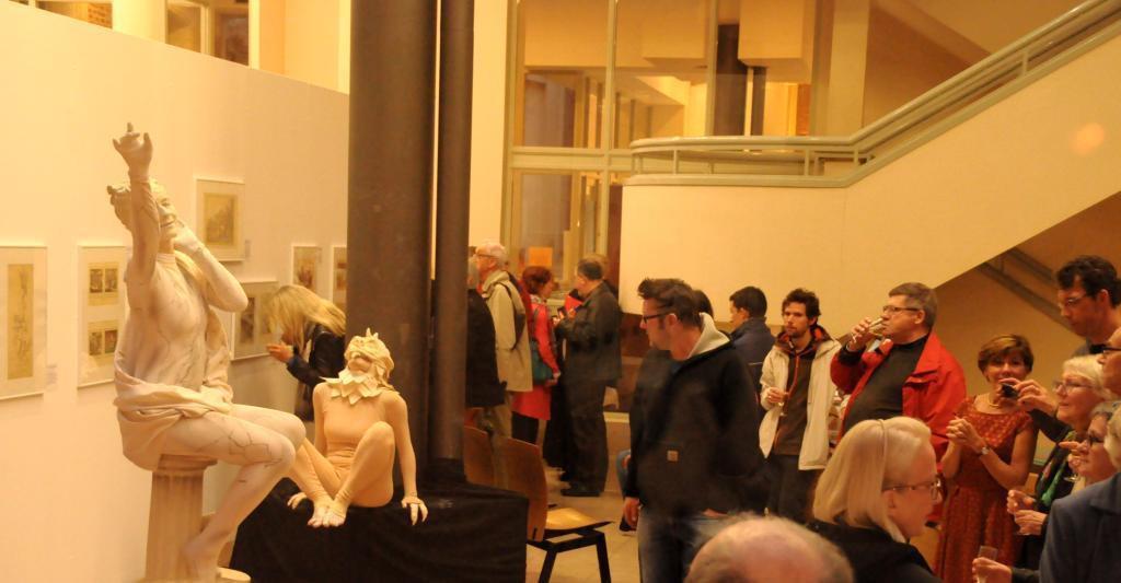 Valenciennes museum living statues