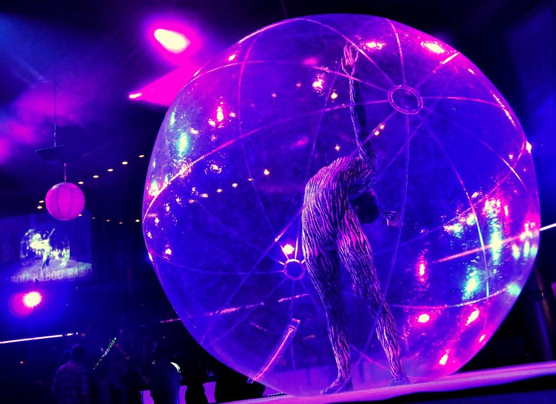 danse contorsion dans la bulle